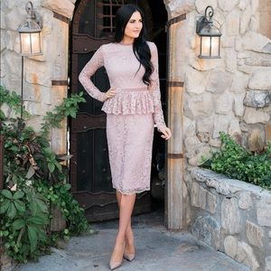 Xs NWT Rachel Parcell pink lace peplum dress